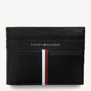 Tommy Hilfiger pebble leather wallet